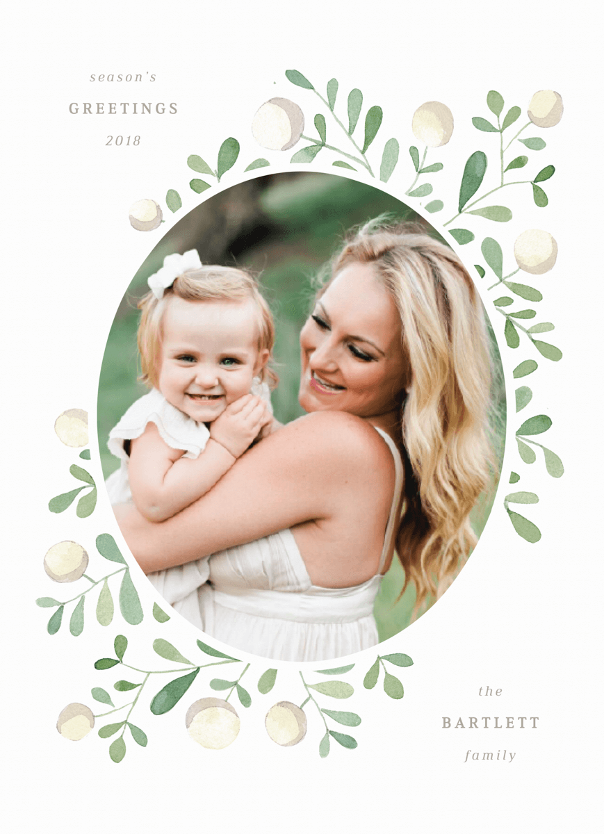 elegant-circle-frame-photo-holiday-template
